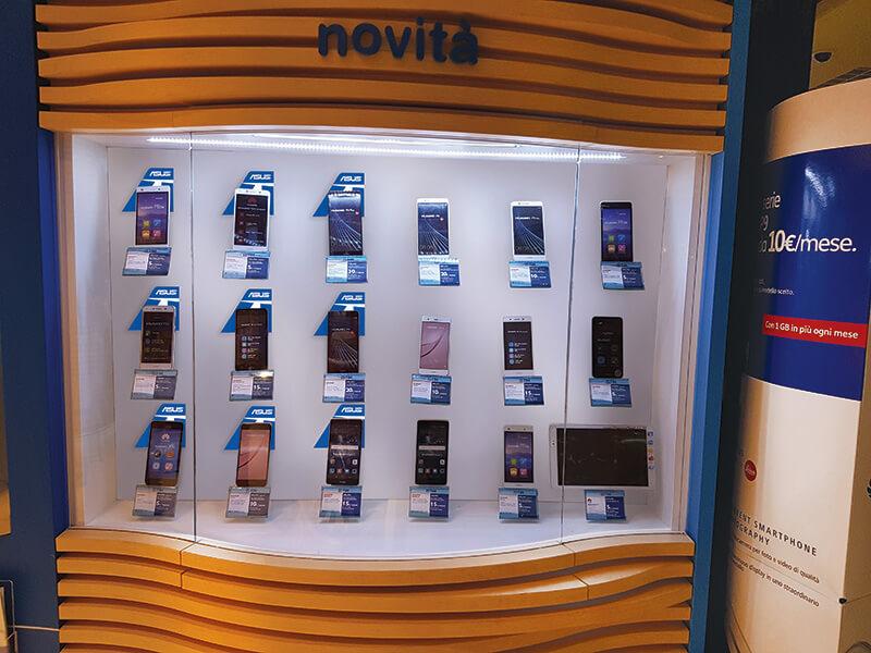 Tim 4G Retail allestimento teca Torino